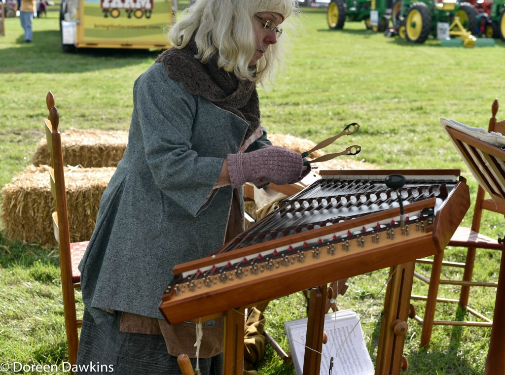 Jennie Kinsley playing the dulcimer at the Harvest Moon Festival 2018