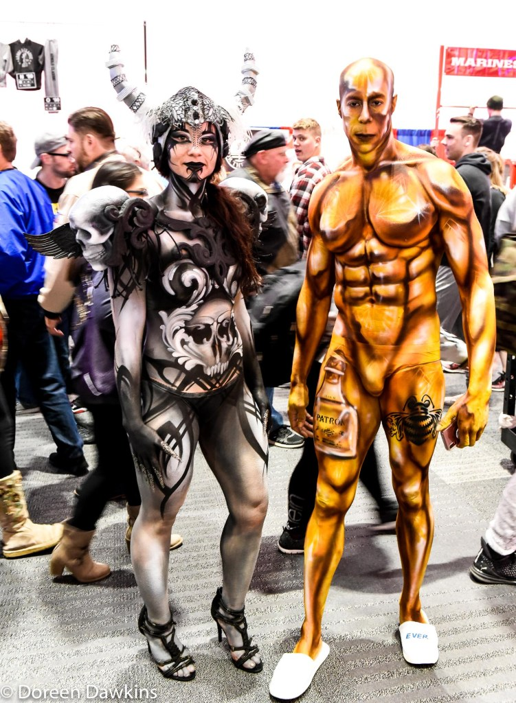 Body paint models in the hall, Dyon Holmes: IG artofdyon, Arnold Sports Festival USA 2019: On the Cheap