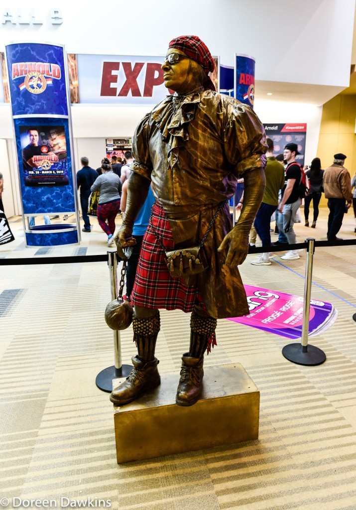 Statue guy in the hall, Mark Abbati: IG statue_guy, Arnold Sports Festival USA 2019: On the Cheap