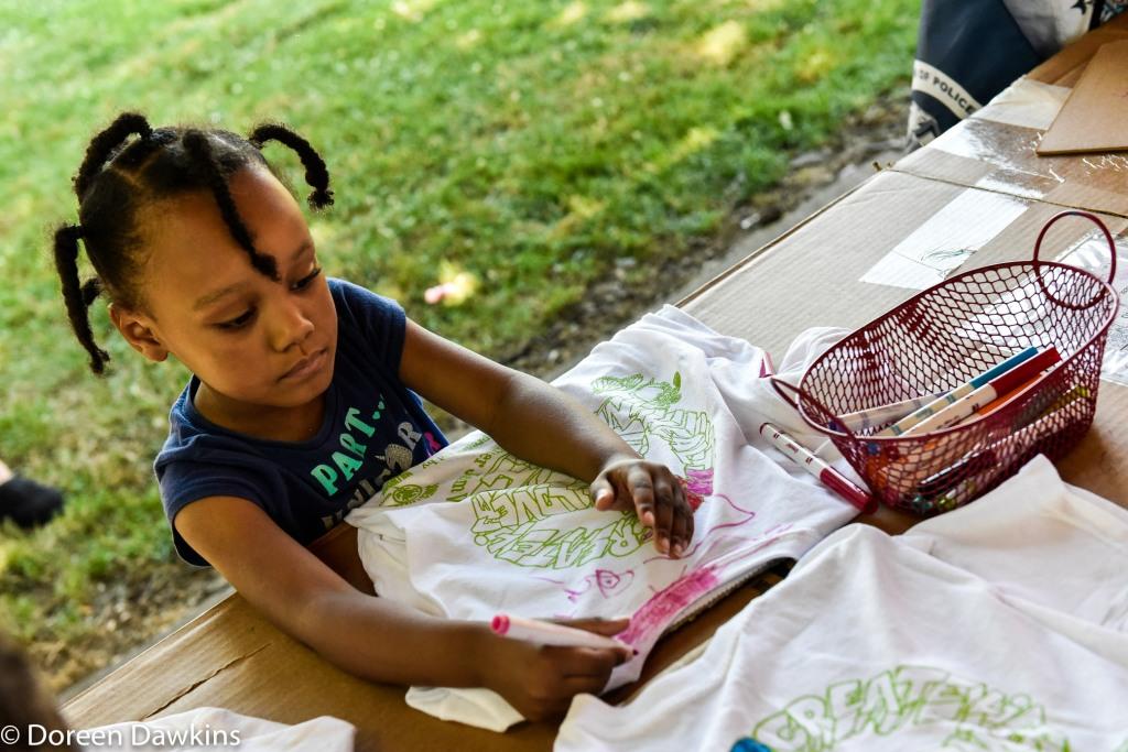 Children designing tee shirts, Summer Jam West 2019