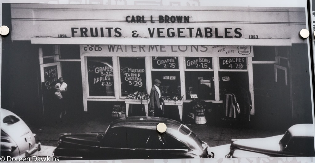 Carl L. Brown Foodliner, Long Street Cultural Wall