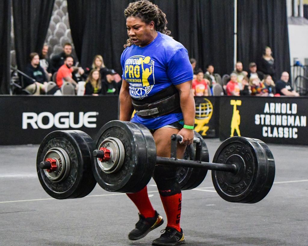 ©Visual Ohio, Pro Strongwoman Andrea Thompson Farmers carry, Arnold Sports Festival 2020