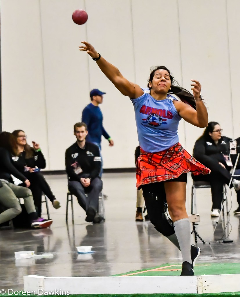 Elissa Hapner throwing the shot put, Scottish Highland Games at the Arnold Sports Festival 2020