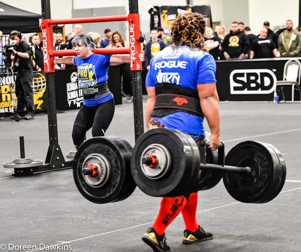 Pro Strongwoman Andrea Thompson Farmers carry, Arnold Sports Festival 2020