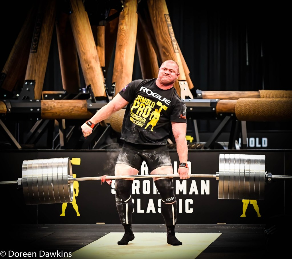 Pro Strongman Mateusz Kieliszkowski strap fail, at the Arnold Sports Festival 2020: Arnold Strongman Classic Elephant Bar Deadlift